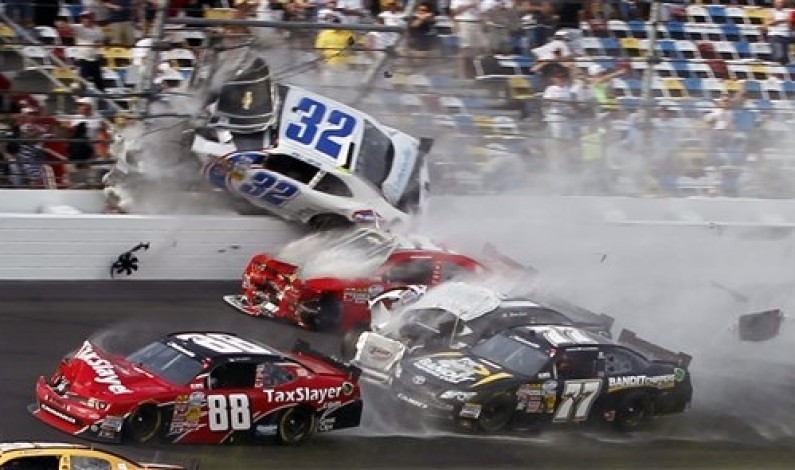Last lap wreck at Daytona injures fans