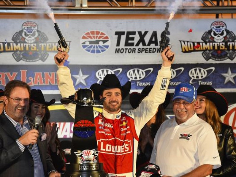 Jimmie Johnson wins his fourth win of 2014 NASCAR Sprint Cup at Texas Motor Speedway